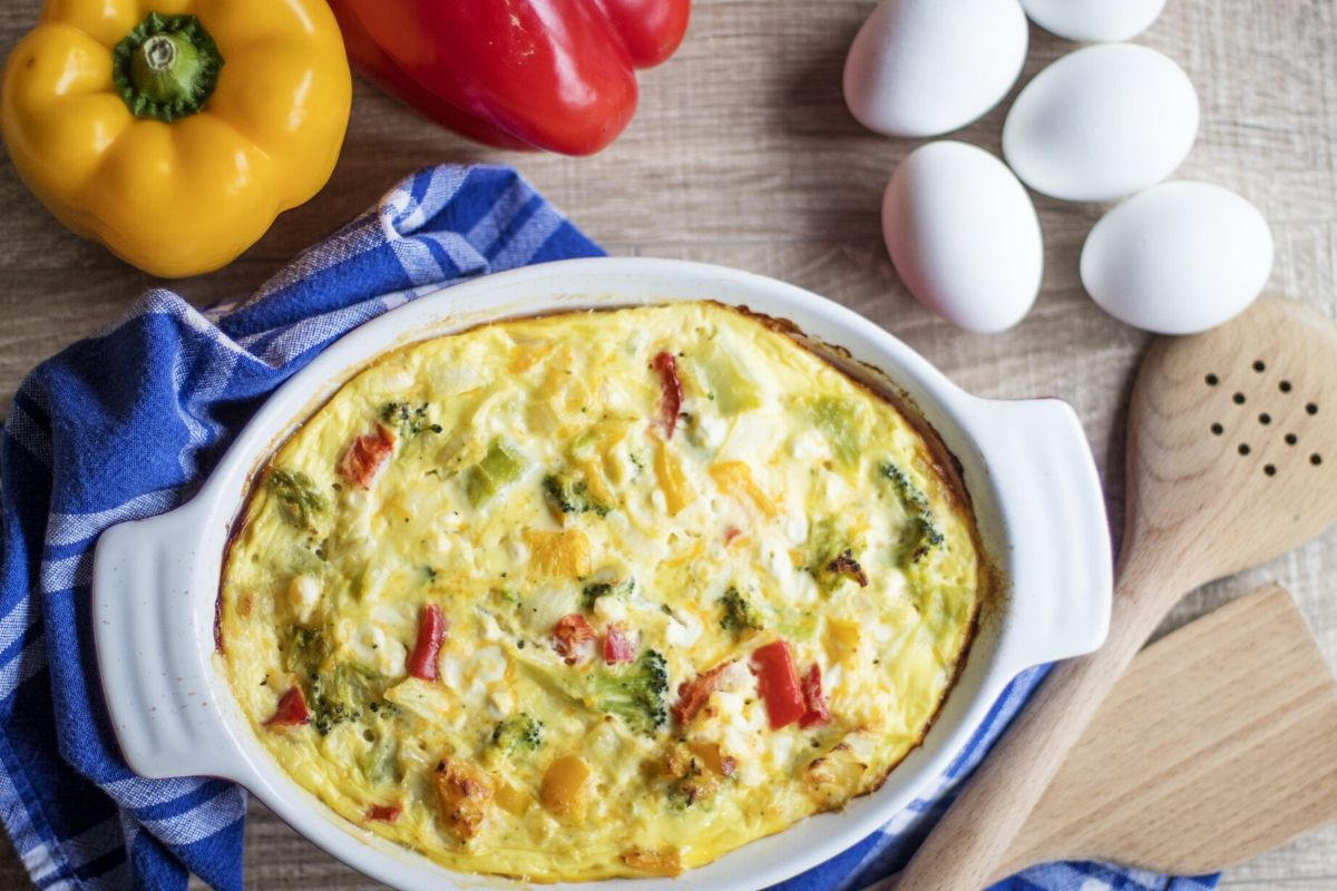 Baked omlette with peppers