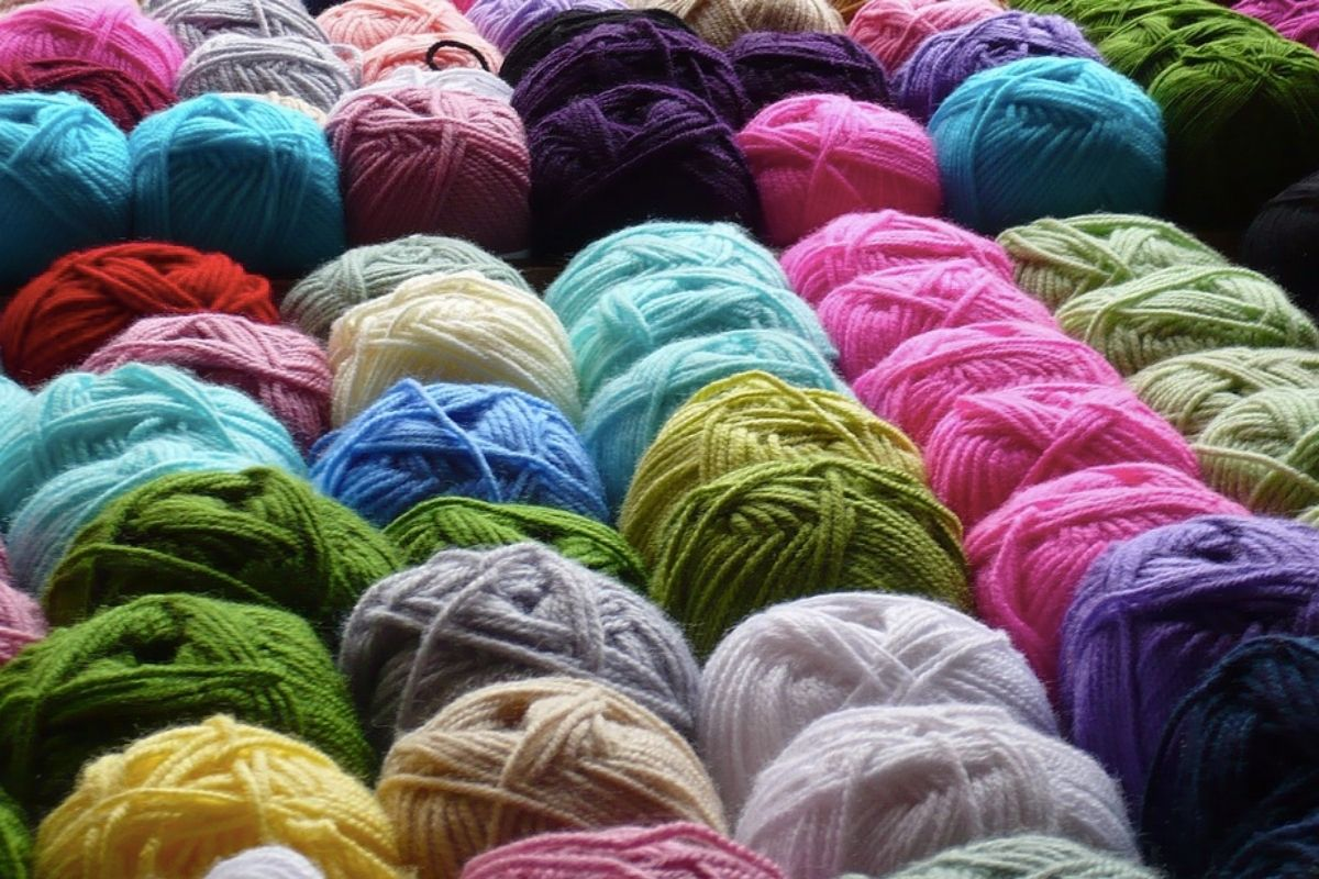 different coloured wool